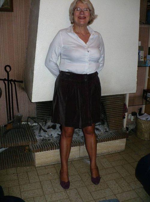 Jeune mamie coquine de Dijon cherche homme soumis