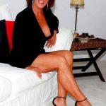 Ajaccio, Sylvie femme mariée cougar propose instants sexuels a jeune de moins de 30 ans