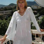 Karine 50 ans aimerait un jeune homme parisien pour qu'il devienne son amant
